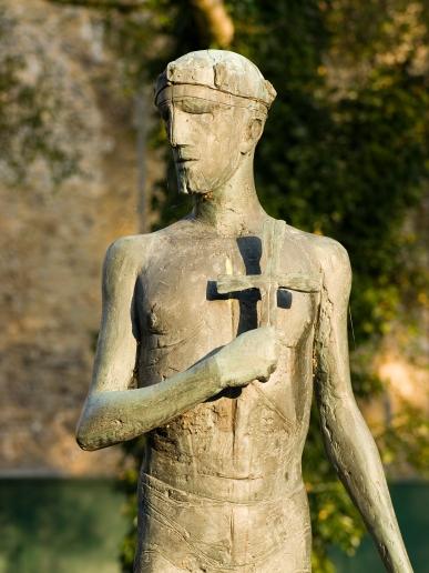 St Edmund statue.jpg